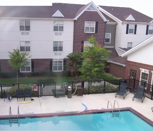 TownePlace Suites Dallas Arlington North : Hotel pool (panoramic)