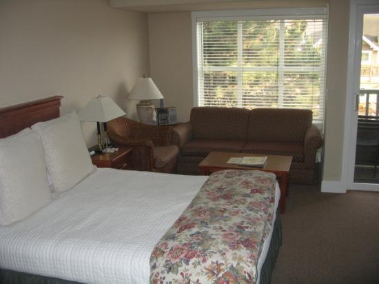 ذا كنتري يارد: Our Room