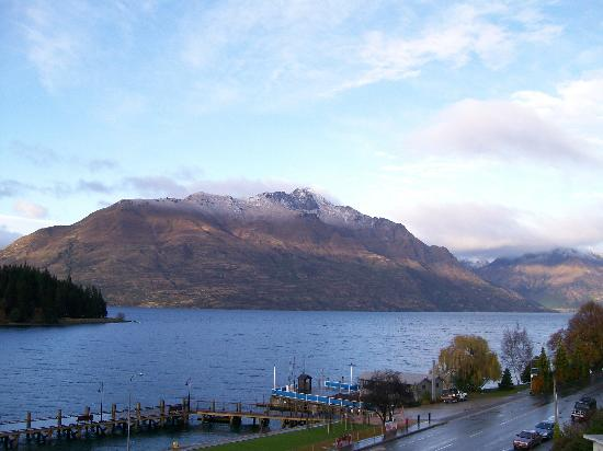 Crowne Plaza Queenstown: one of the views from hotel room (taken fm right side of hotel balcony)