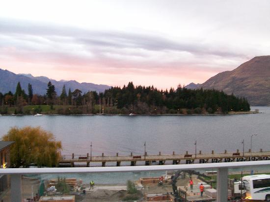 Crowne Plaza Queenstown: another view, another day, straight on