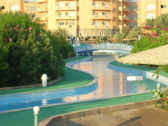Movie Gate Golden Beach Hotel : la piscine