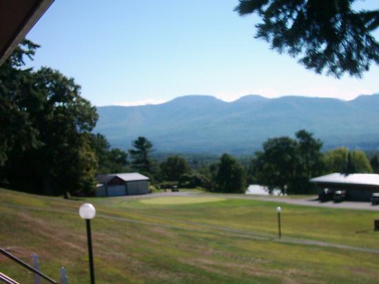 Sunny Hill Resort and Golf Course : the beautiful view of the catskills.