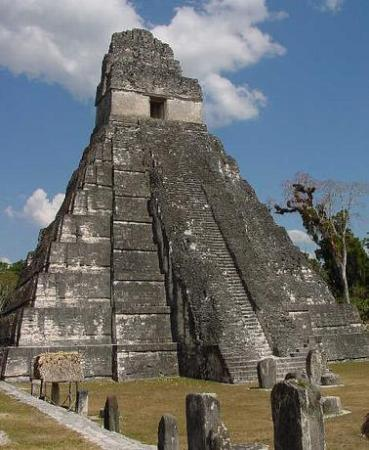 Crystal Paradise Resort: Daily trips to Tikal from Crystal Paradise
