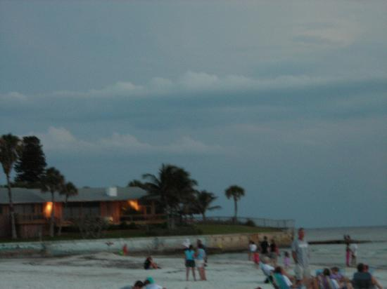 Captiva Beach Resort: Point of Rocks-night