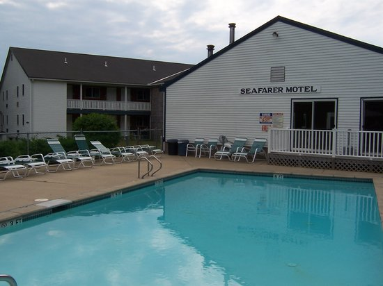 Seafarer Condominium Resort: outdoor pool