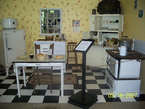 Delaware Agricultural Museum and Village: The old fashioned kitchen