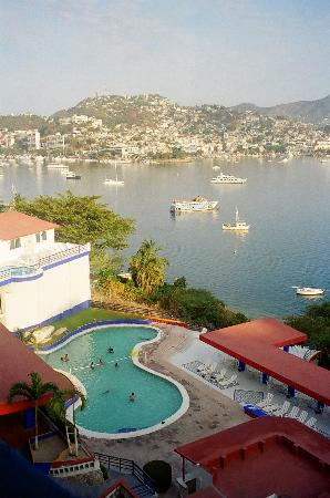 Hotel Aristos Acapulco: This was the view from my terrace in my room