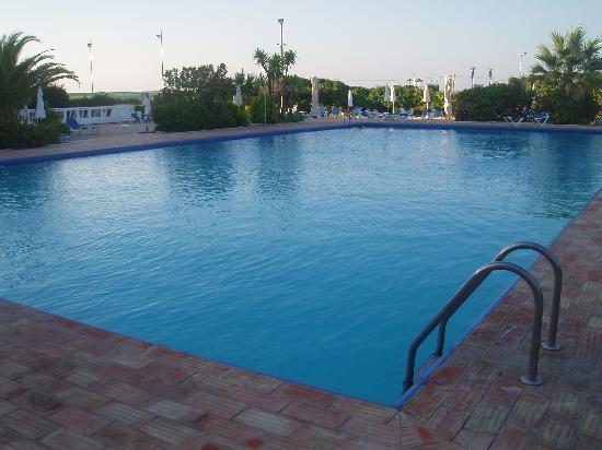 Vasco da Gama Hotel: poolside