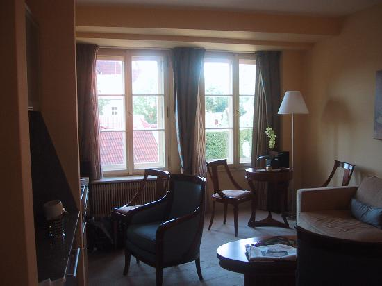 Aria Hotel Prague by Library Hotel Collection: Dvorak Suite living room