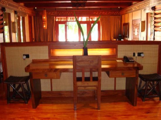 Likuliku Lagoon Resort: Desk