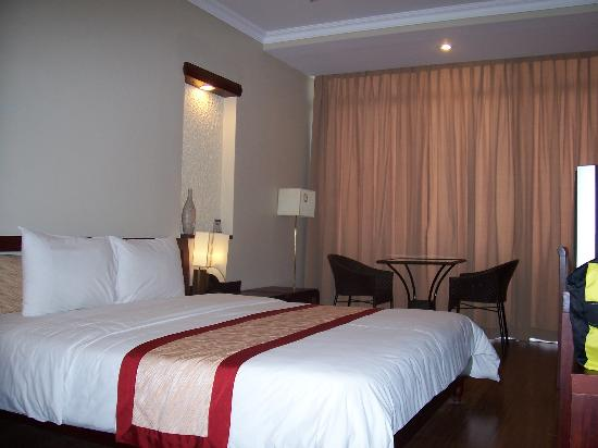 ORCHID HOTEL: Hotel Room