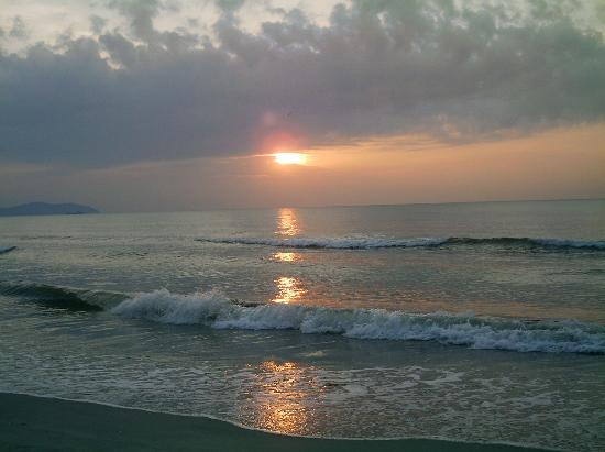 Swiss-Garden Beach Resort Kuantan: Sunrise