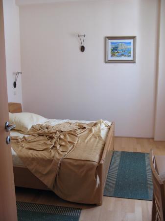 هوتل بارك هفار: bedroom