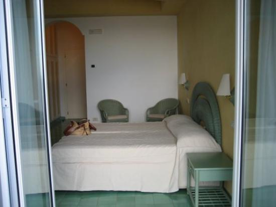 Hotel Club Due Torri: The Hotel Room