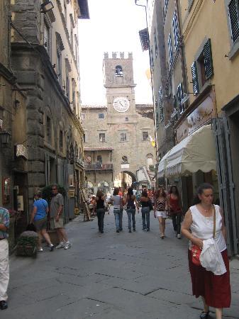 Hotel San Luca: Main street in Cortona