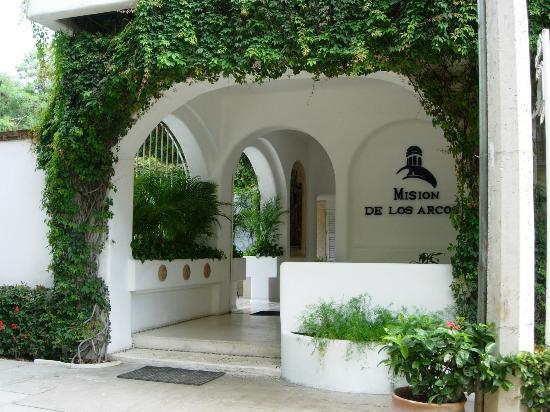 Mision de los Arcos : Hotel Entrance