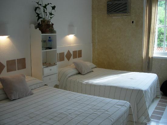Mision de los Arcos : Our wonderful room