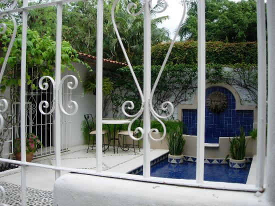 Mision de los Arcos : Little hotel pool