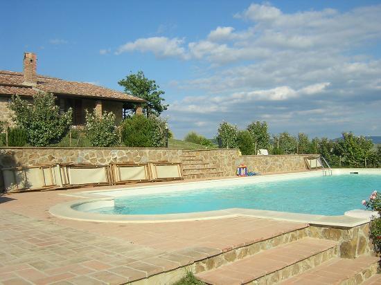 Agriturismo Terrapille: piscina