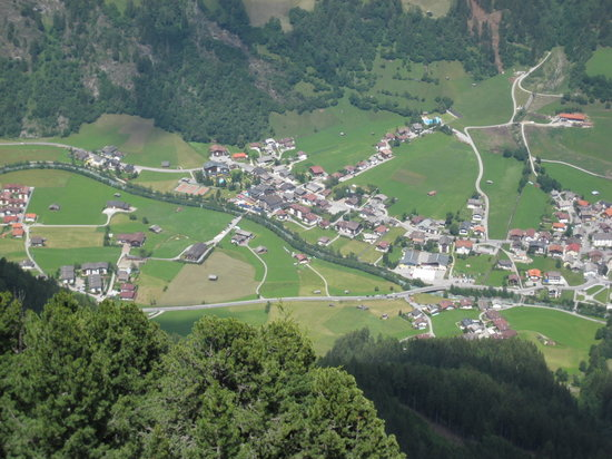 ‪تيرول, النمسا: neustift from Elferhutte‬