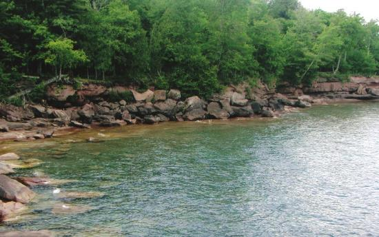 Apostle Islands, วิสคอนซิน: Big Bay Point along Bay View Trail