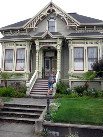 Abigail's Elegant Victorian Mansion - Historic Lodging Accommodations: Entrance to mansion