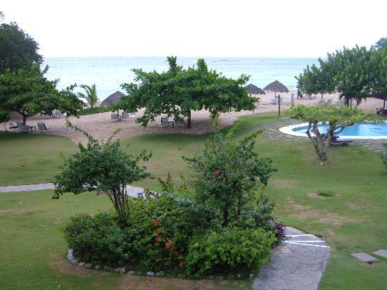 Jamaica Inn : the beach and the pool
