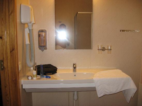 Best Western Arlanda Hotellby: bathroom - spartan but clean