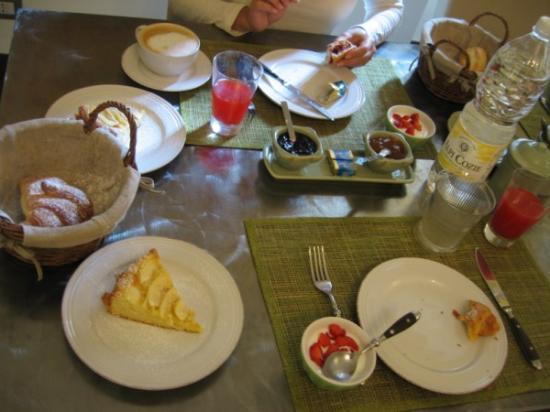 Il Salotto di Lucilla: Breakfast - great
