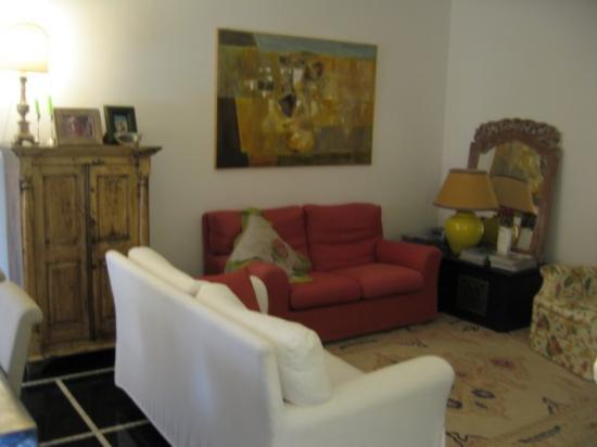 Il Salotto di Lucilla: Common room - well decorated