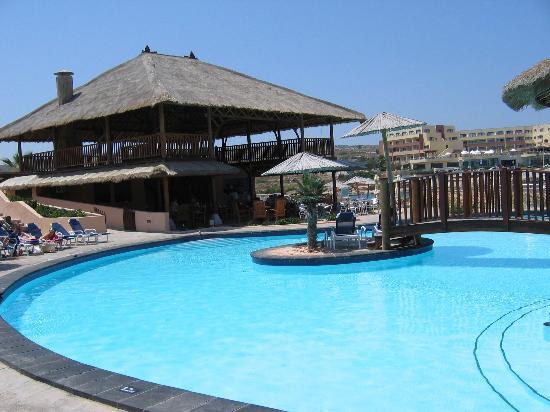 Ramla Bay Resort: The Pool