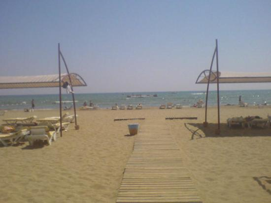 Xanthe Resort: private beach