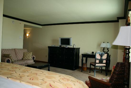 Marriott Hollywood Beach: King size Bedroom.
