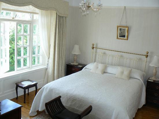 St. Jude's Bed and Breakfast : room 1, St Jude's, Galway