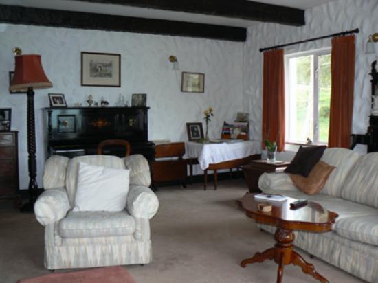 Rhu-Gorse: livingroom, Rhu Gorse