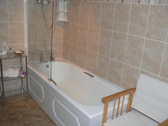 Rhu-Gorse: bathroom, Rhu Gorse