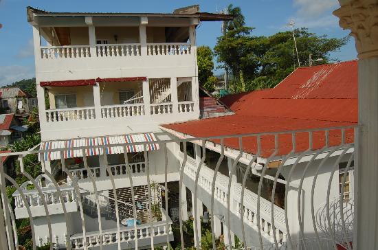 Ocean Crest Guest House: Ivanhoe's Guesthouse next door