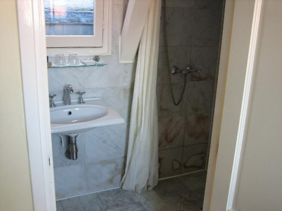 Maes B & B: suite shower