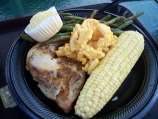 Holiday World & Splashin' Safari: $6.99 for adult buffet (choose meat, 3 sides and corn muffin or roll)!