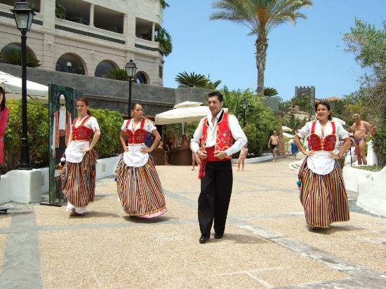Gran Tacande Wellness & Relax Costa Adeje: Canarian dancers