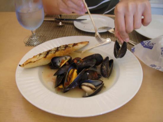 Fountain Cafe: clam