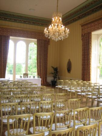 Swinton Park: The LIbrary - cermeony room