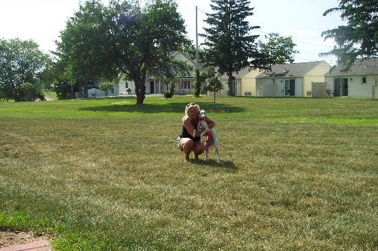 Skaneateles Suites: Lucy enjoyed a romp in the courtyard