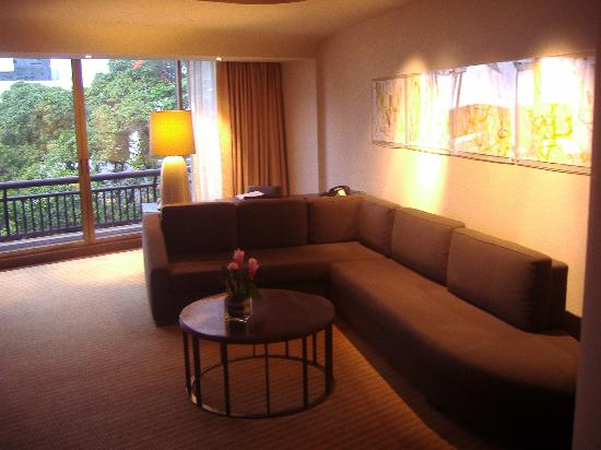 Alcove Suite Living Room Picture Of Swissotel Nai Lert