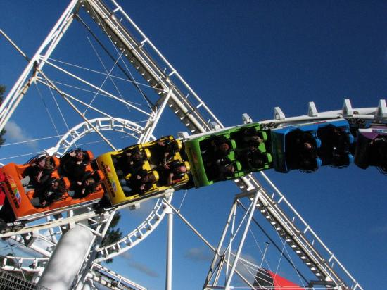 Manukau, Νέα Ζηλανδία: Corkscrew Coaster at Rainbow's End