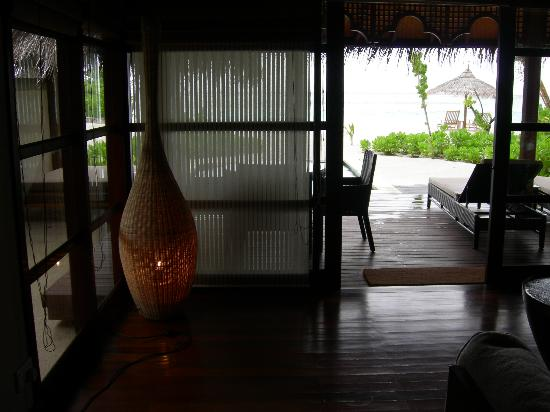 Four Seasons Resort Maldives at Kuda Huraa: view from the couch ..of the pool