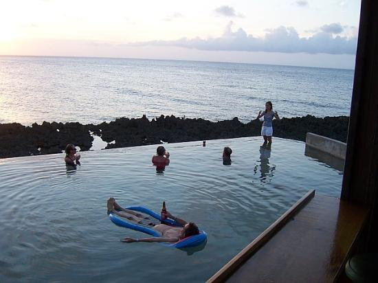 Lands End - Ocean Front Lodge: Land's End Pool - with fellow travelers