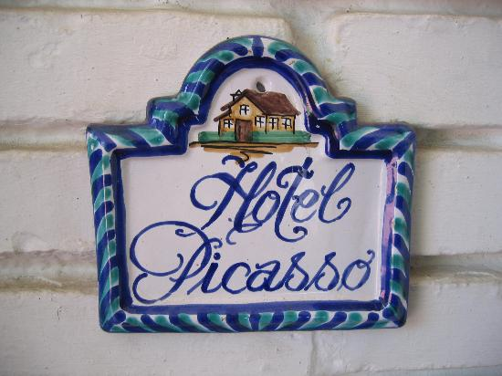 Malaga Hotel Picasso: plaque outside the front door