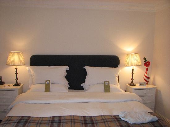 Feversham Arms Hotel & Verbena Spa: The Bed