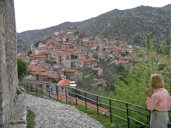 Guesthouse Kazakos: Village of Dimitsana from the guesthouse